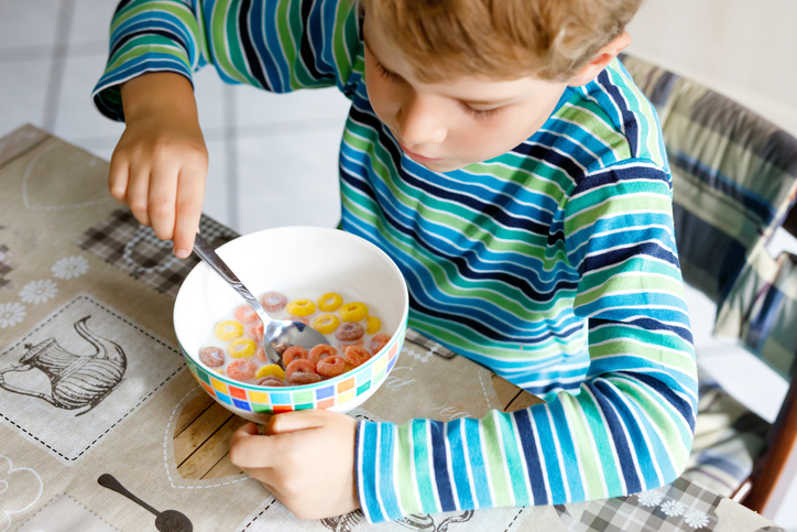 Unhealthy Foods For Kids: Don't Feed These Unhealthy Foods To Children, boy eating cereal